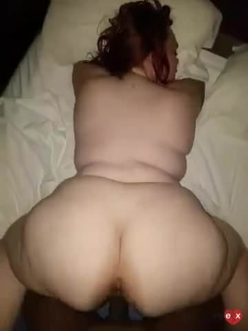 suck lots of pussy