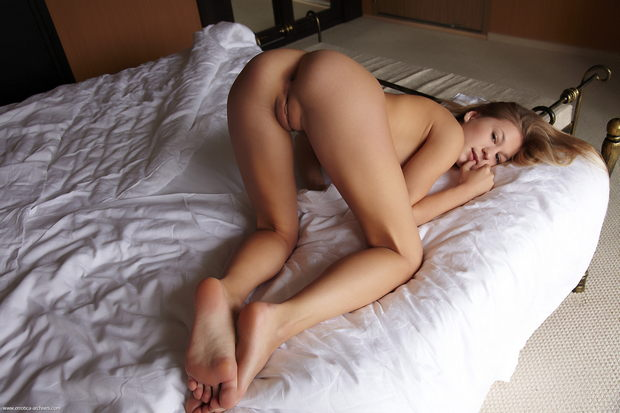 threesome wife and her best freind